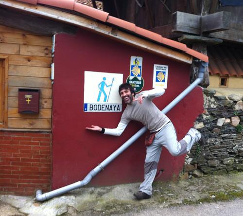 Davis er verdens sødeste vært for herberget i Bodenaya