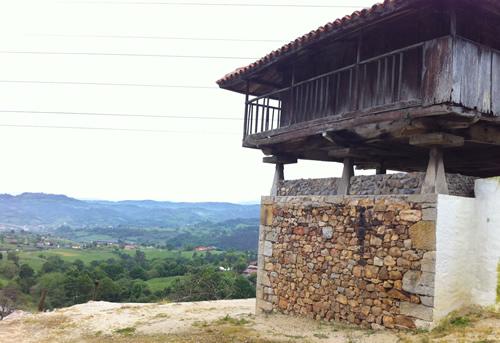 Udsigt over dalen, hvor Grado ligger