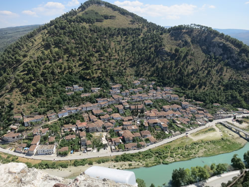 Fra borgen i Berat er der udsigt over kvarteret Gorica på den anden side af floden.